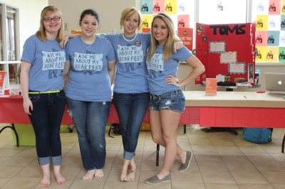 "RMU students go ""One Day Without Shoes"""