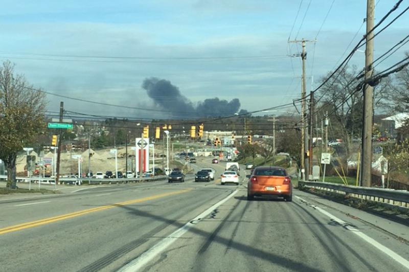 Fire engulfs Leetsdale Industrial Park