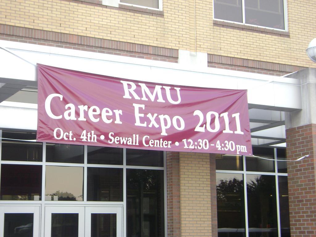 RMU+Career+Expo+2011%3A+Time+to+polish+those+resumes