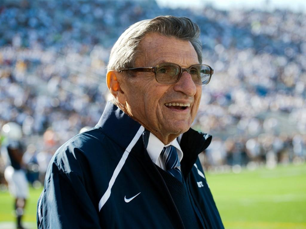 False+reports+that+Joe+Paterno+has+died+spread+across+web%2C+social+networks