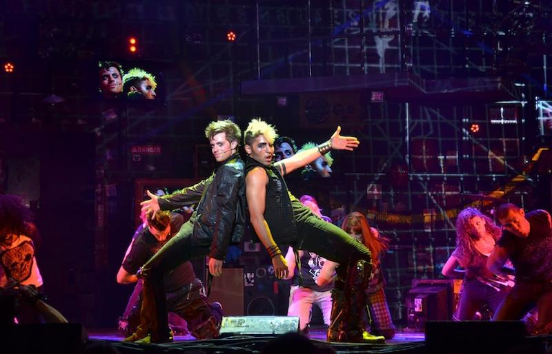 Alex+Nee+%28Johnny%29+and+Trent+Saunders+%28St.+Jimmy%29+in+%22American+Idiot%22+the+musical.