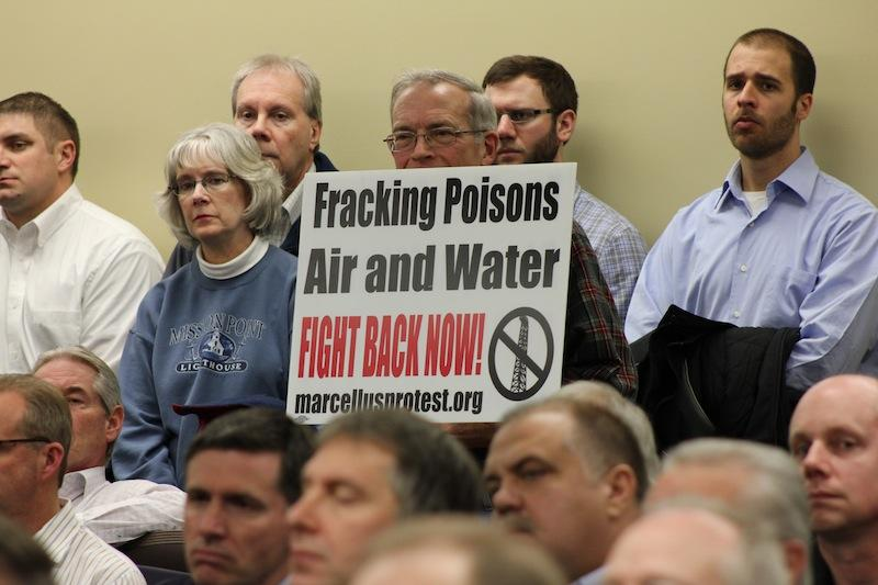 Local+residents+speak+out+against+airport+fracking