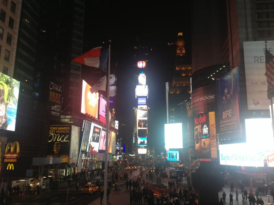 CMA 2013 in NYC update: 'Selfie Sunday'