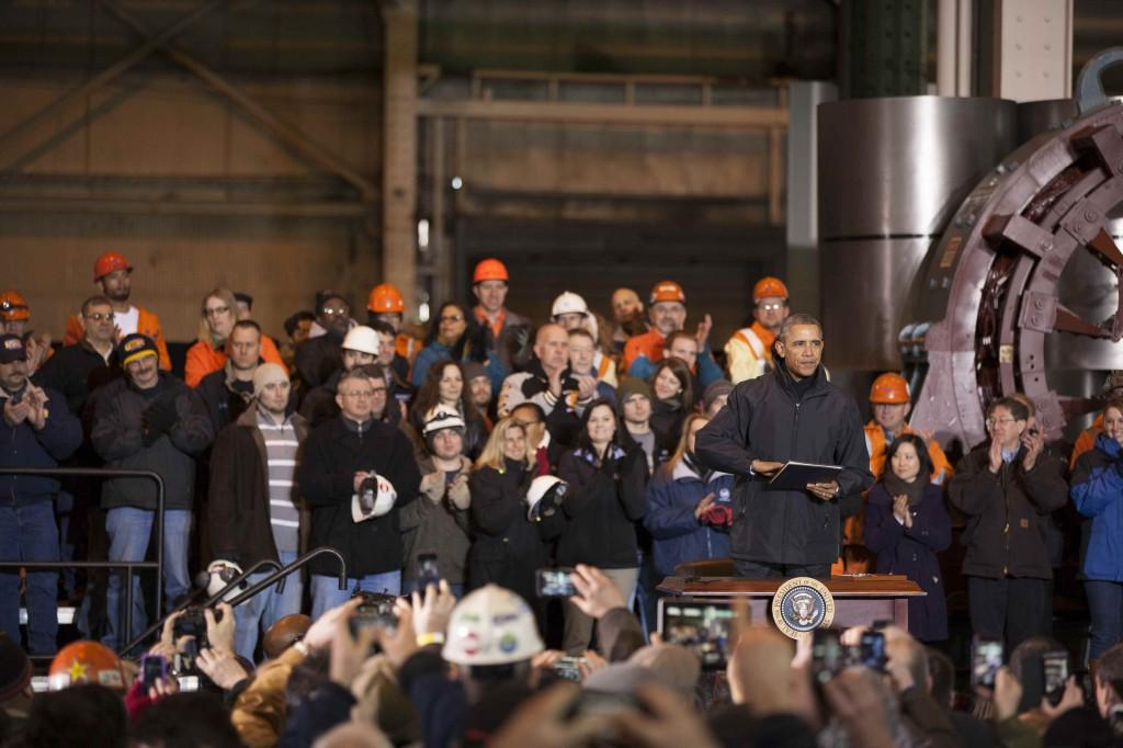 President+Barack+Obama+signs+a+memorandum+for+%22myRA%22+at+West+Mifflin+steel+plant+Wednesday.