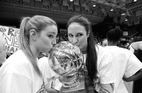 Women's Basketball Wins NEC Titile