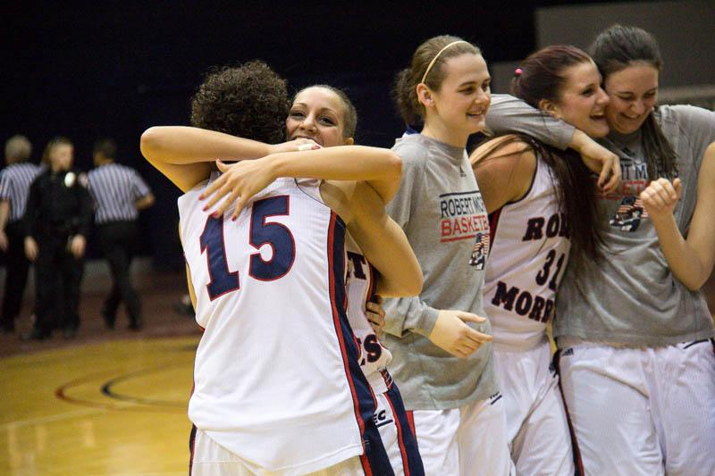 Spanou, Robert Morris earn trip to NEC title