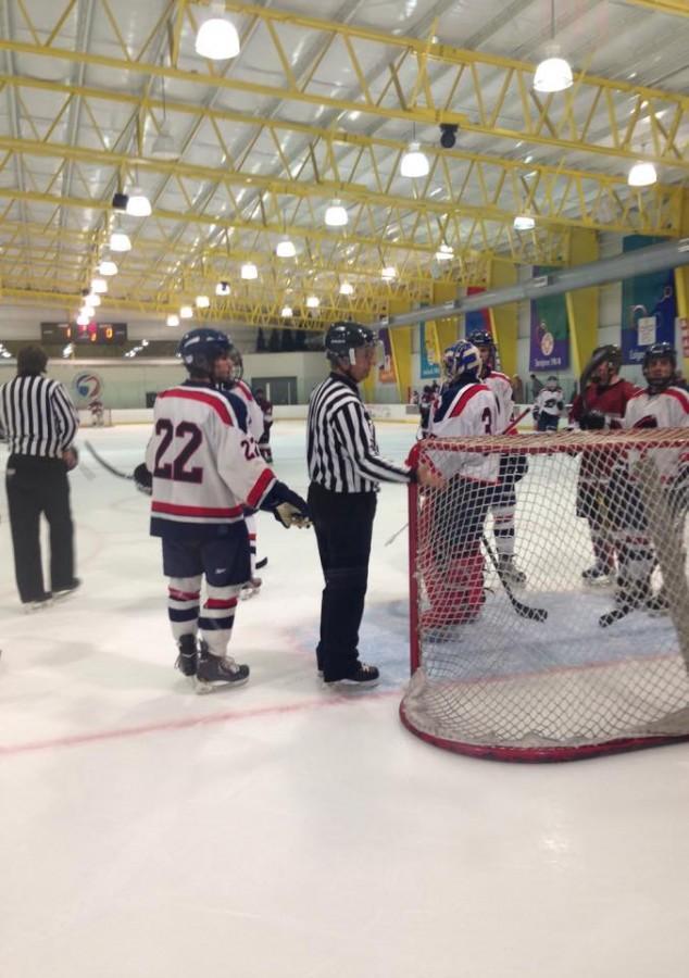 RMU+ACHA+hockey+teams+finds+its+way+past+the+Hawks