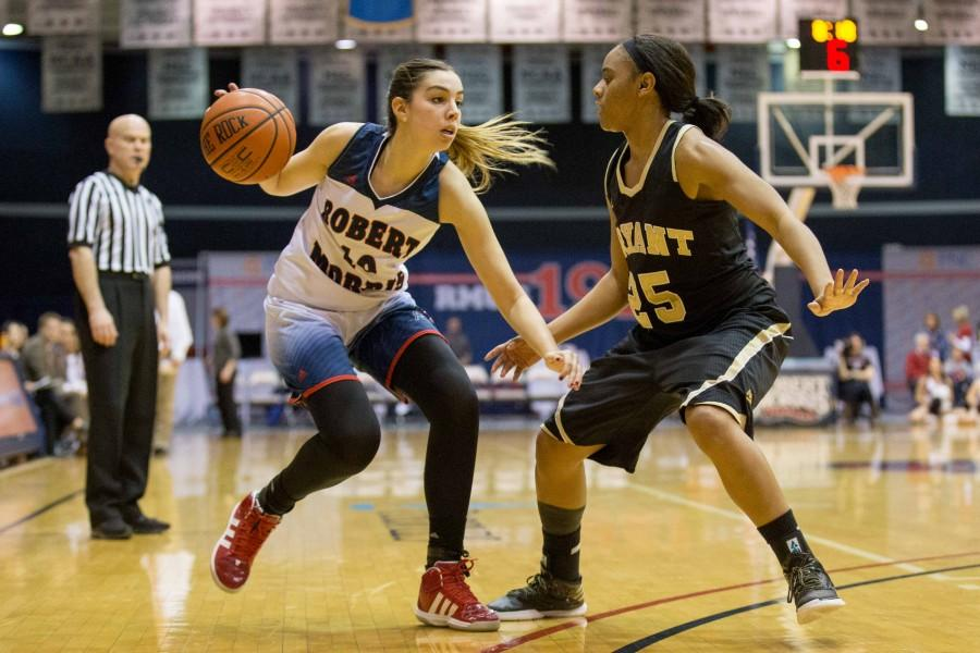 Sophomore Rebeca Navarro's career-high point total led RMU to an NEC Semifinal berth.