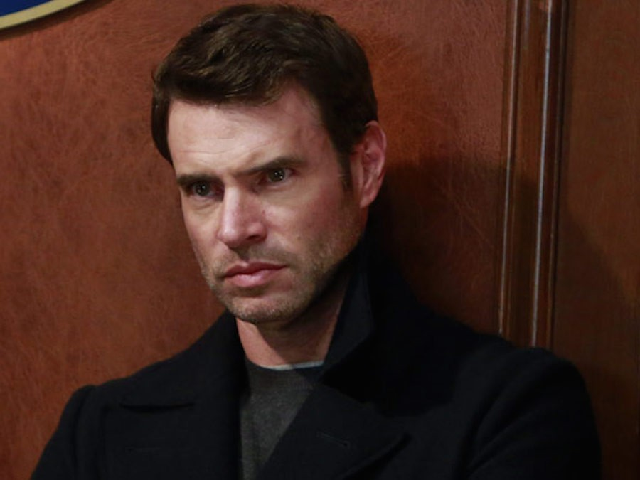 Interview with 'Scandal' star Scott Foley on the '#iHeartMyDog' campaign