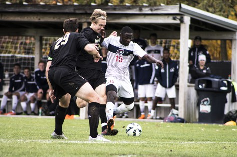 Former RMU soccer star Neco Brett signs with Pittsburgh Riverhounds