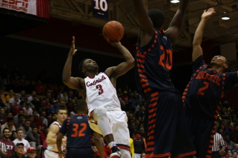 Sloppy play spoils Colonials' home opener