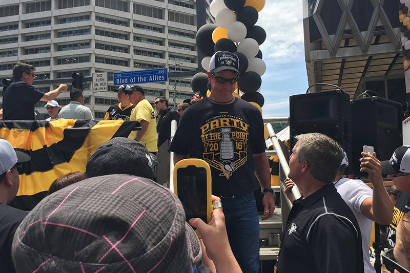 Head Coach Mike Sullivan exits the stage.