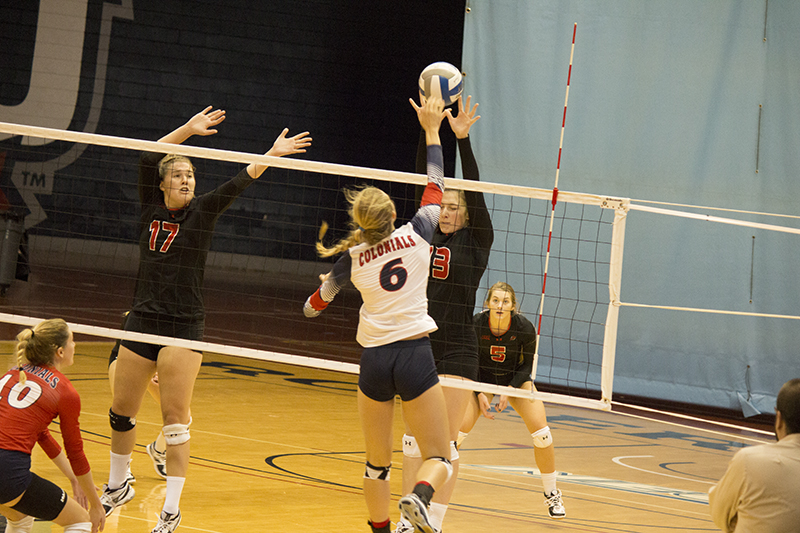 Women%27s+Volleyball%3A+RMU+vs+SFU