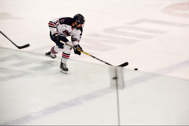 LIVE UPDATES: RMU men's hockey looks to rebound vs Holy Cross