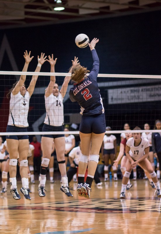 The+Robert+Morris+Colonials+Women%27s+Volleyball+team+took+on+Penn+at+6%3A30pm+on+Friday%2C+September+15th.+This+was+the+2nd+game+in+the+Robert+Morris+Invitational.+