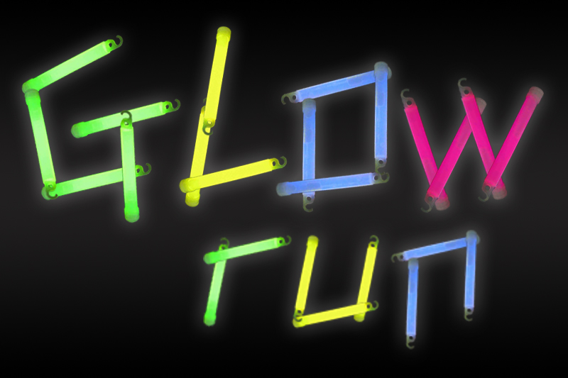 Glow+Run+5K+helps+students+stay+active+during+Jefferson+Center+closure