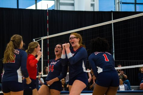 Volleyball Roundup: RMU vs. Fairleigh Dickinson