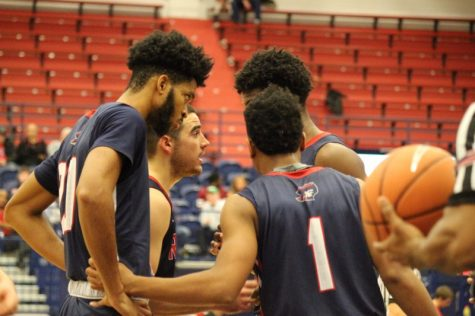 Robert Morris unable to climb back as they fall to the Mountaineers