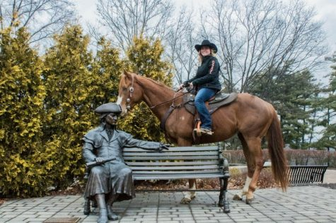 Marcella Gruchalak and her horse Buns stop by the campus of Robert Morris University for a tour.