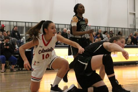 Second half surge propels Colonials over Seahawks