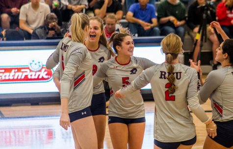 "Preview: Volleyball heads to Duquesne for a ""Steel City Showdown"""