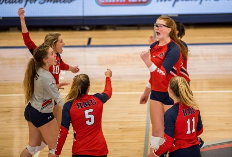 RMU Volleyball gets first NEC Win