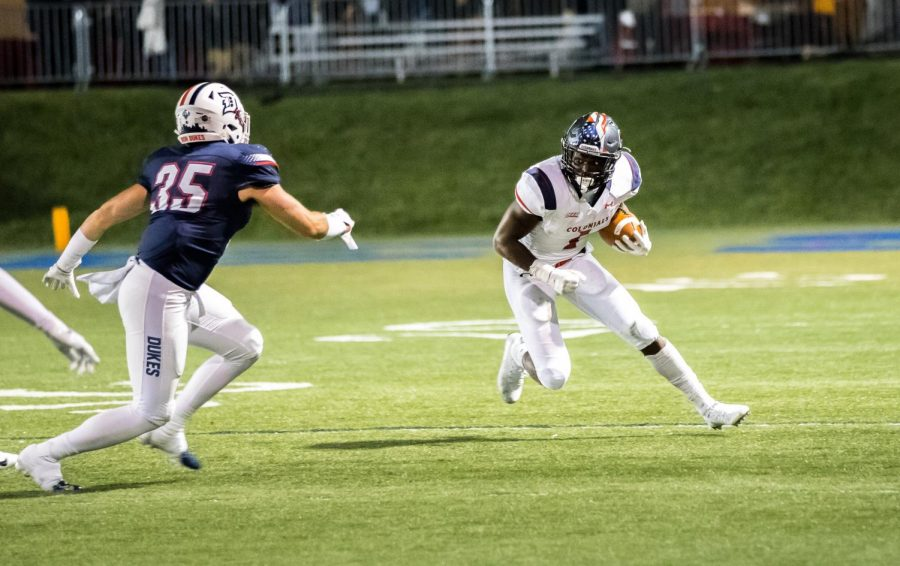 Terence Stephens runs against Duquesne on Oct. 13, 2018. In this game, Stephens became the first player since Tim Hall (1994) to have 100+ receiving and 100+ rushing yards.