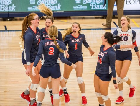 Preview: Volleyball hosts Saint Francis for their Dig Pink match