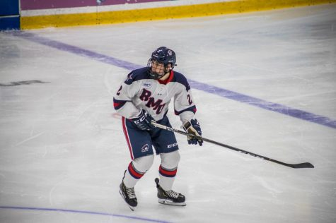 Colonials offense explodes as men's hockey wins their first Saturday game of season