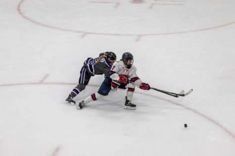 Women's hockey rallies in 3rd Period to tie Minnesota State