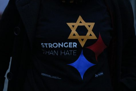 Local t-shirt shop raises more than $4K for Tree of Life victims