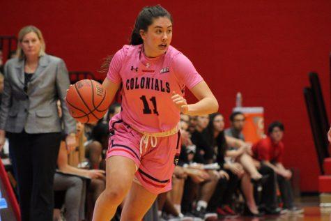 Women's basketball outlasts Saint Francis
