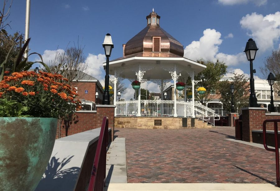 Newly+renovated+bandstand+in+Ligonier%27s+Diamond.+Photo+Credit%3A+%28Laurel+Highlands+Visitors+Bureau%29
