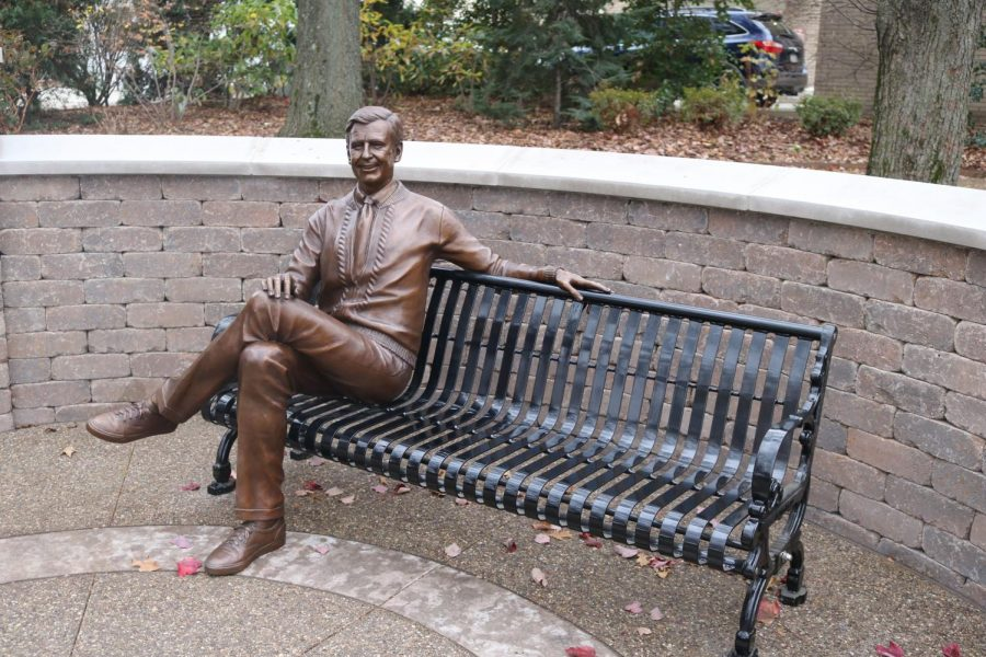 A+statue+of+Mister+Roger+in+honor+of+Mister+Rogers%27+Neighborhood%27s+50th+Anniversary+at+Saint+Vincent+College+in+Latrobe.+Photo+Credit%3A+%28Saint+Vincent+College%29