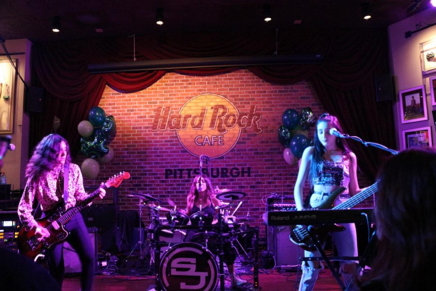 All of the members of Spinning Jenny performing at the Hard Rock Cafe. Pittsburgh, PA. March 16, 2019. Garret Roberts/RMU Sentry Media