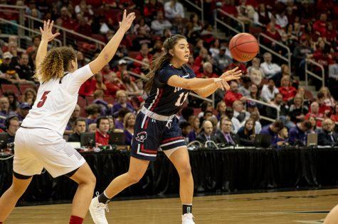 Women's basketball rides huge 1st half to win over Xavier