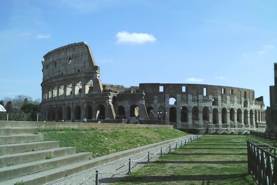 The+Colosseum+stands+above+most+buildings+in+Rome+Photo+credit%3A+Jordan+Redinger