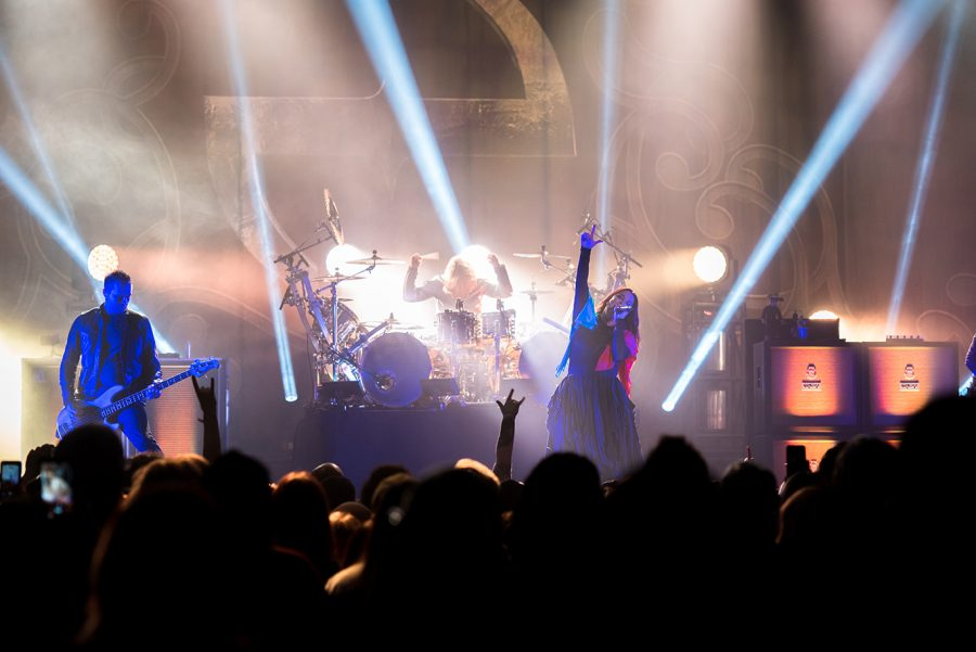 Evanescence wakes up the UPMC Events Center with successful concert