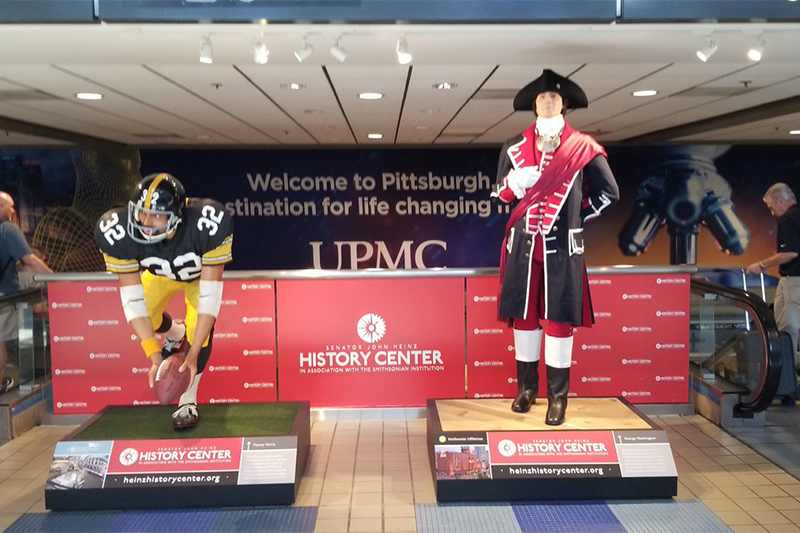 Franco+Harris+and+George+Washington+statues+return+to+Pittsburgh+International+Airport.+%0A%0A%0APhoto+Credit%3A+%28Pittsburgh+International+Airport%29