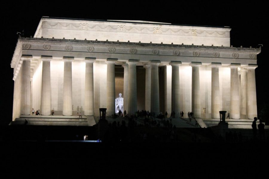 The+Lincoln+Memorial+lit+up+on+a+night+walk+Photo+credit%3A+Jordan+Redinger