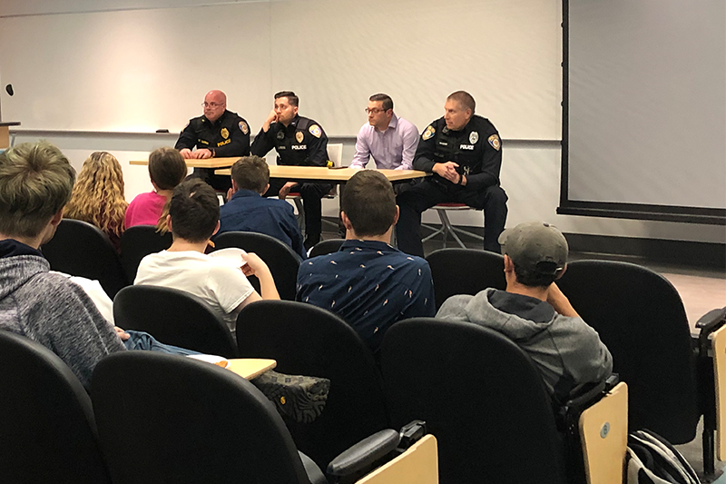 "Robert Morris University officers host ""Pizza with Public Safety"""