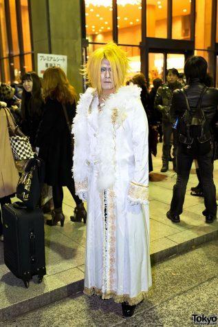 Versailles-Visual-Kei-Fan-Fashion-2012-12-20-011-950x1425.jpg