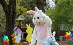 Navigation to Story: Moon Township hosts Easter Bunny Neighborhood Hop for holiday social distancing