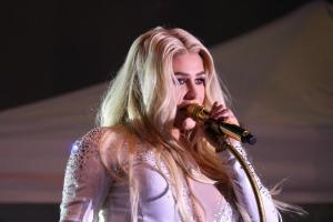 Kesha Performs in Pittsburgh to benifit the Jewish Federation of Greater Pittsburgh's Our Victims of Terror fund