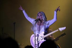 Kesha performs at a Benifit Concert in Pittsburgh
